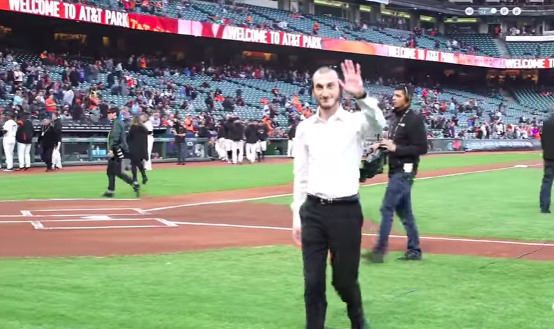 VIDEO OF THE WEEK: Shulem Lemmer Sings National Anthem At SF